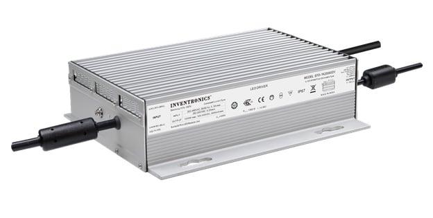 Un transformateur LED EFD-1K2SxxxDV 1,2 kW de chez Inventronics pèse 6,6 kg